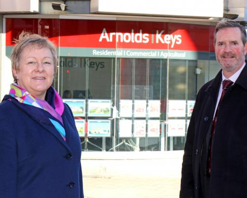 New residential valuation manager Tim Wicks is welcomed to Arnolds Keys by partner Jan Hytch sm