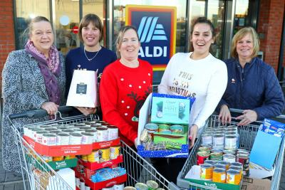 Lovewell Blake Aldi GY Open Christmas donation December 2018 sm